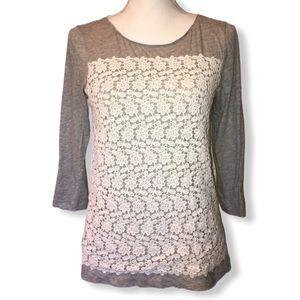 Pretty Gray Embroidered Crochet Lace Knit Top EUC